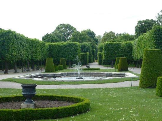 Schonbrunner Gardens: The gardens.