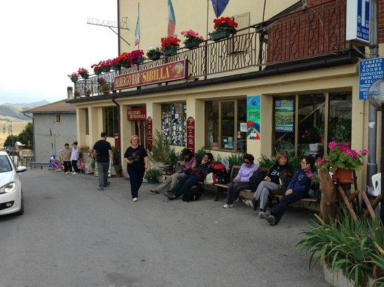 Hotel Sibilla: l'ingresso dell'hotel