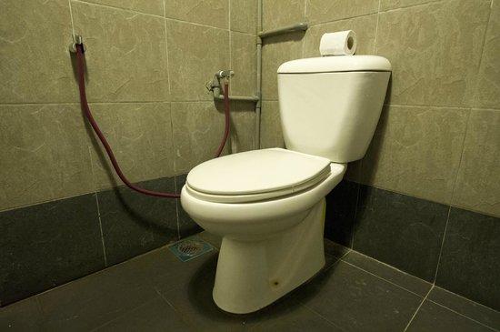 Batu Bata Guesthouse: toilets