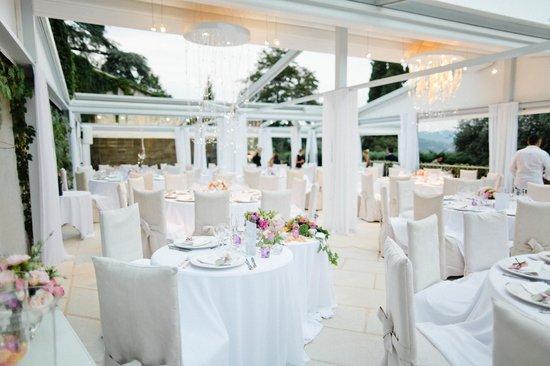 auberge des adrets la terrasse accueillant le diner de mariage - Auberge Des Adrets Mariage
