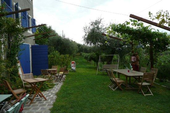 Tenuta La Pergola: Frühstücks- / Sitzplatz im Freien