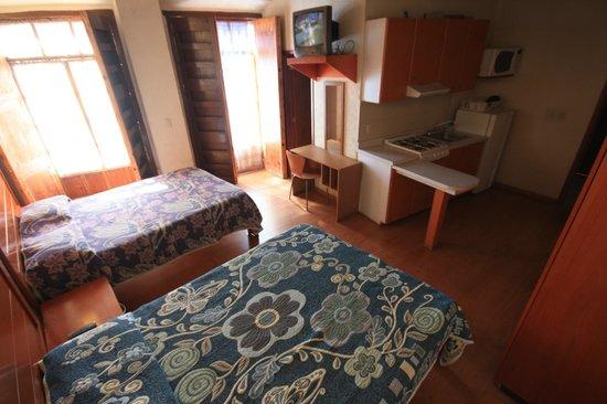 Hostal Villa Cassot : Bonitas habitaciones con balcones