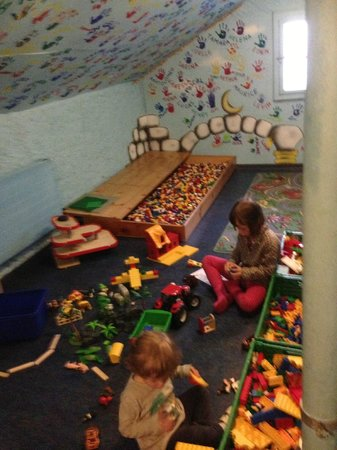 Apart- und Kinderhotel Muchetta: la stanza dei Lego
