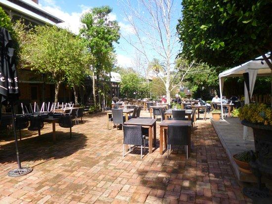 The Rose & Crown Hotel : Garden