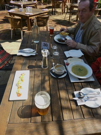 The Rose & Crown Hotel : Lunch