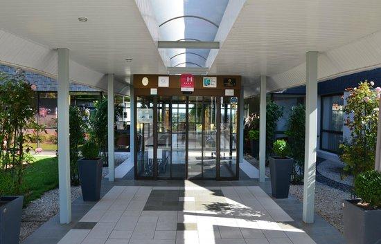 Novotel Amboise: Outside reception