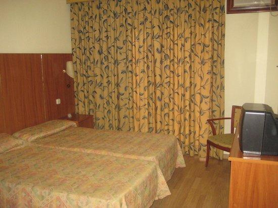 Hotel Brasil: Room