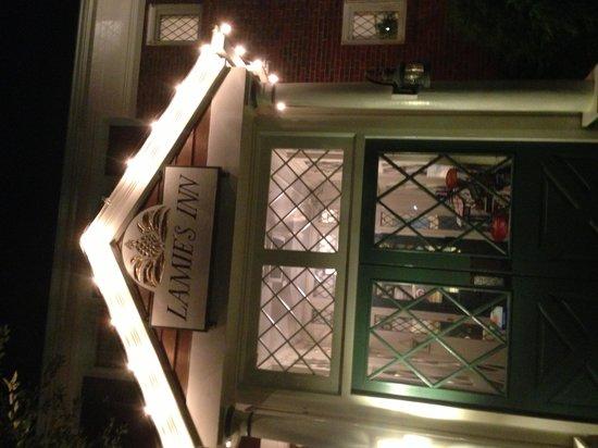 Lamies Inn and The Old Salt Tavern: Inn Entrance