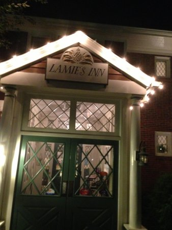Lamies Inn and The Old Salt Tavern : Inn Entrance