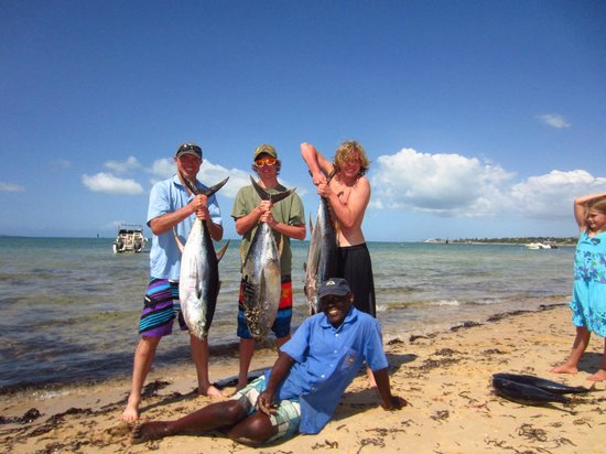 Vila Do Paraiso: On the Beach - Our catch (w/the resort boat)