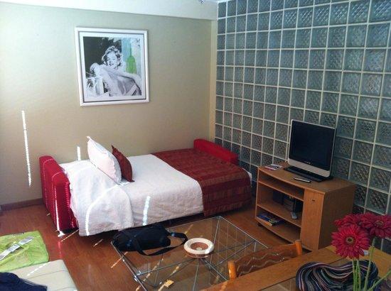 Hotel Orly: Sofá cama
