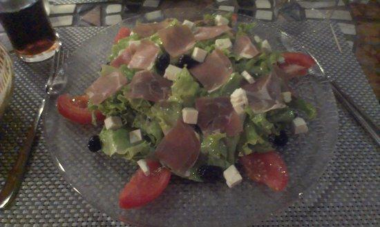 Pizzeria de la Tour : Salade grecque grande faim !