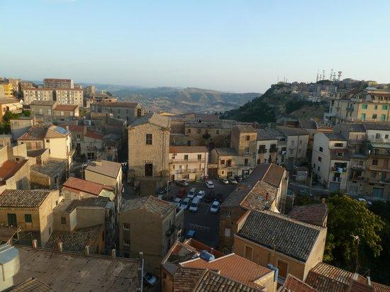 Hotel Sicilia: vue du balcon de la chambre