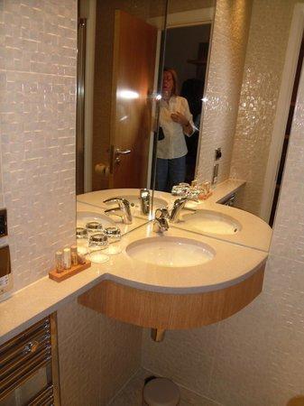 Ingliston Country Club : Bathroom