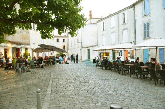 Hotel Saint Nicolas : Square around the corner