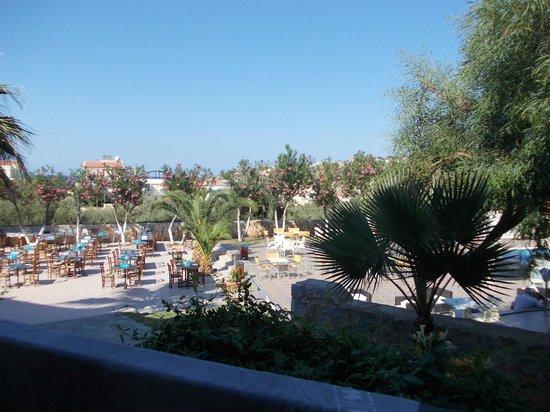 Langley Resort Almirida Bay: utsikt frå balkongen