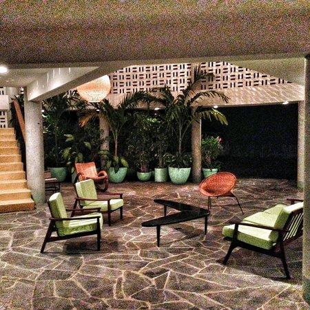 Boca Chica Hotel: Lobby - mid-century glam