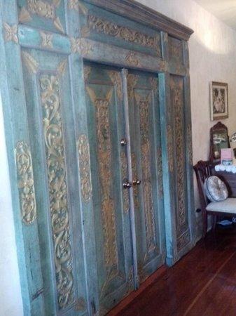 Seven Sisters Inn: room door