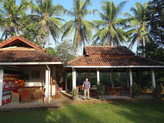 Satwa Elephant Eco Lodge: This was where you take your meals--lovely spot with a fridge for beercokes, the food was 1st ra