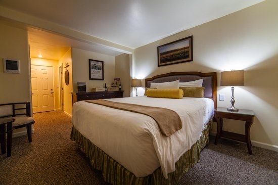 Vendange Carmel Inn & Suites: J. Lohr Room King Deluxe