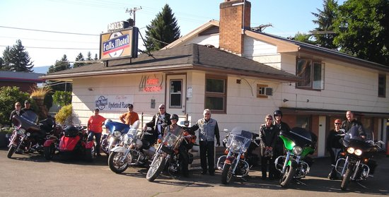 Falls Motel: We embrace groups who visit!