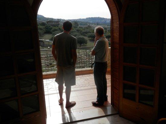 Villa Diana: Bedroom leading to Balcony