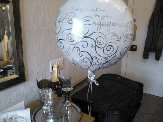 Allerdale House Keswick: our balloon & sparkling wine!