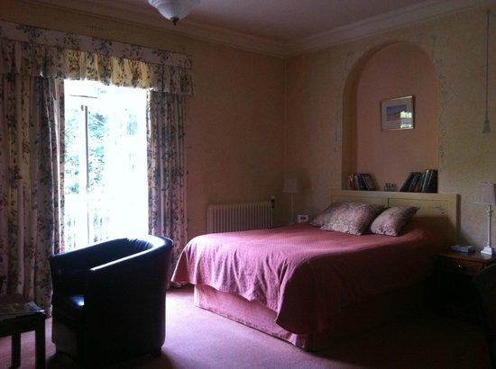 Uphill Manor: Bedroom