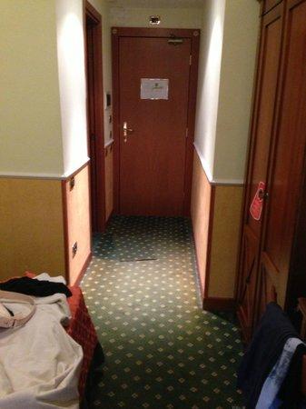 Aurora Garden Hotel : camera 207