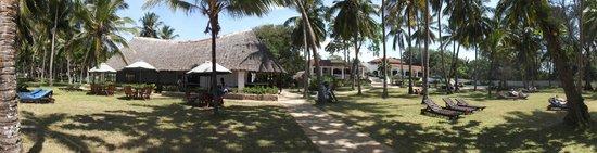Diani Sea Lodge: grounds