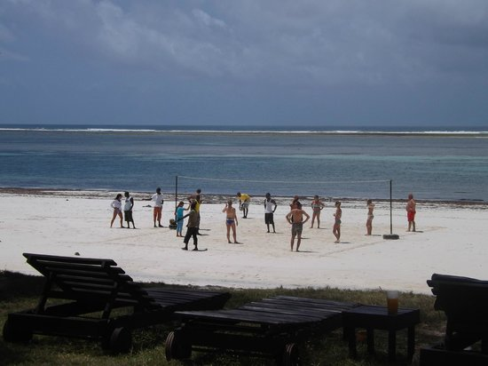 Diani Sea Lodge: volleyball