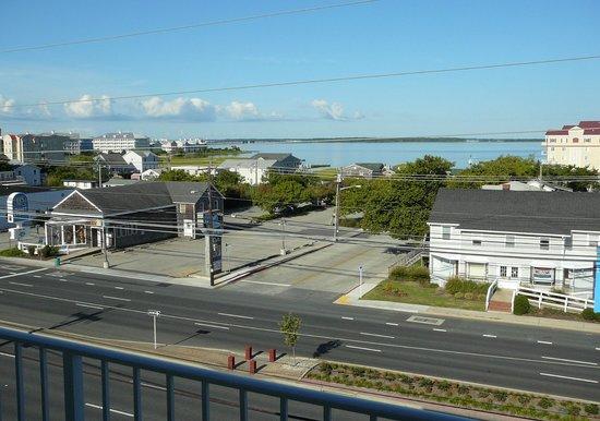 Beachcomber Motel : View of bay from balconey