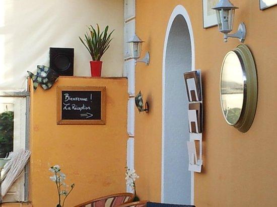 Hotel La Petite Boheme : la reception