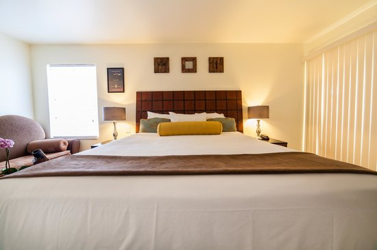 Vendange Carmel Inn & Suites: Galante King Deluxe Room