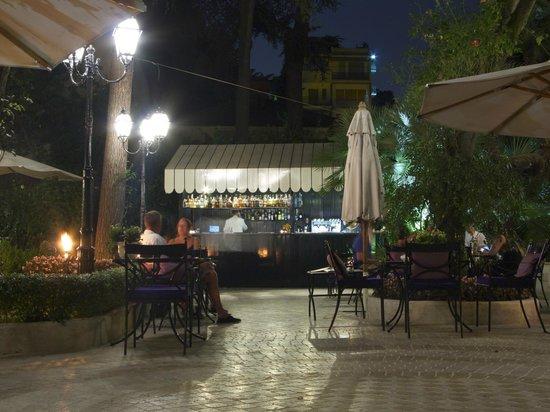 Aldrovandi Villa Borghese : Bar/Grill