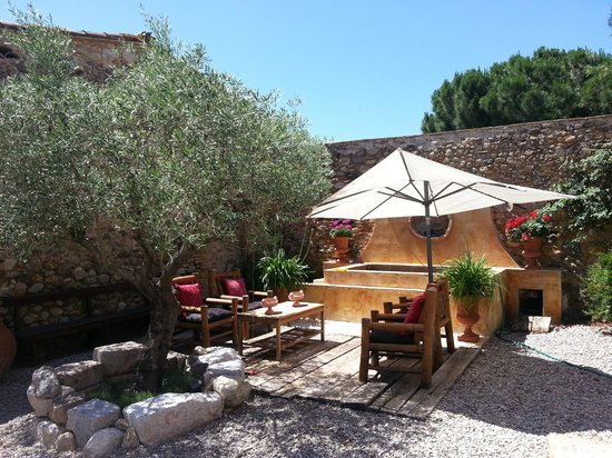 Can Carbó: many spots to relax and enjoy the surrounds and country air