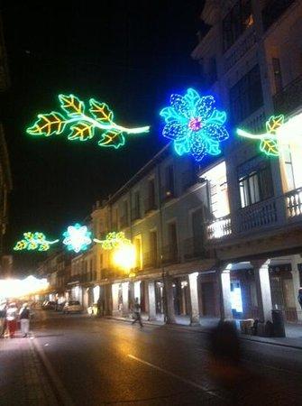 Calle Mayor: adornada en fiestas