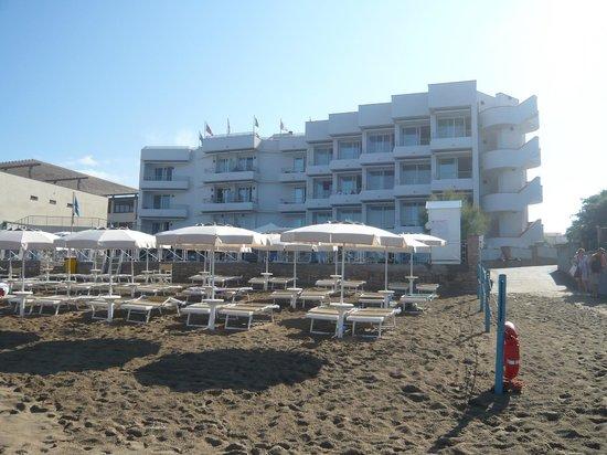Hotel Sabbia d'Oro: Blick vom Strand