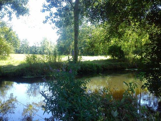 La Garangeoire : A peaceful lakeside spot