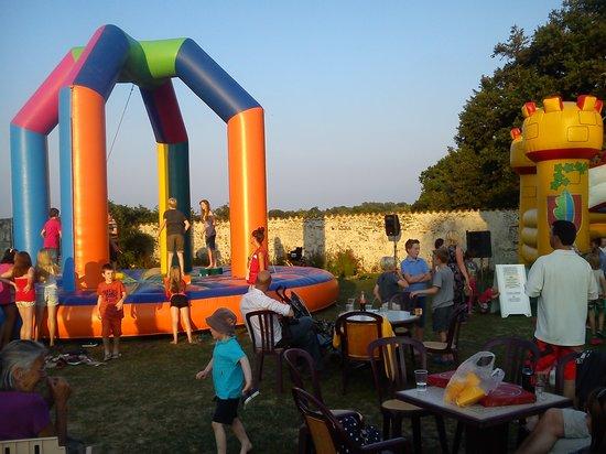La Garangeoire : Garden Party in the Beer Garden