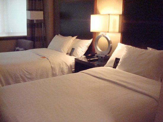 Sheraton New York Times Square Hotel: Room