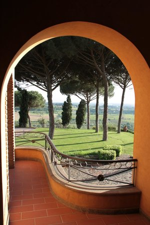 Tenuta Cusmano: View from room showing grounds