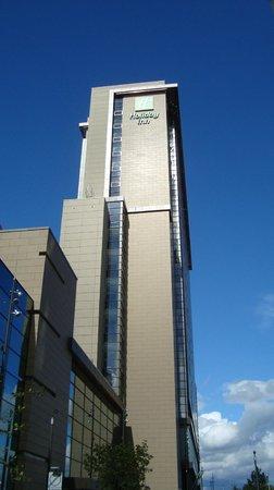 Holiday Inn Manchester MediaCityUK : Approach to Hotel