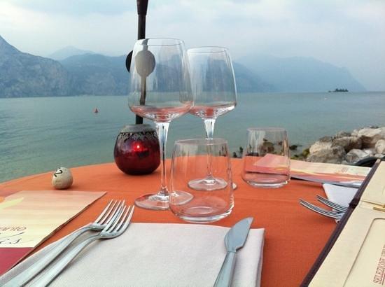 Belfiore Park Hotel: cena a riva al lago