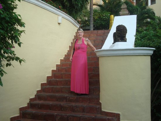 Casa Velas: Pam on stairs headed up to front entrance