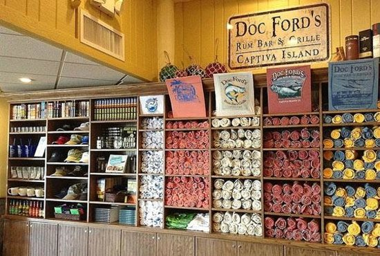 Doc Ford's Rum Bar & Grille Captiva : Lots of retail