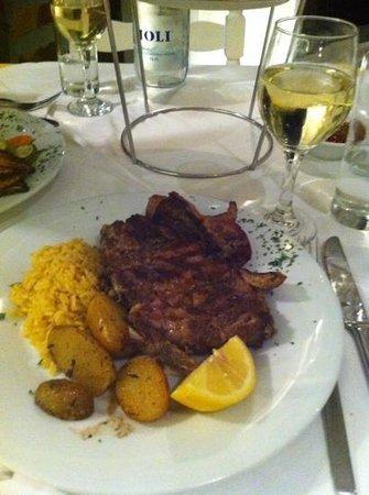 Pyrgos Restaurant: grilled veal steak