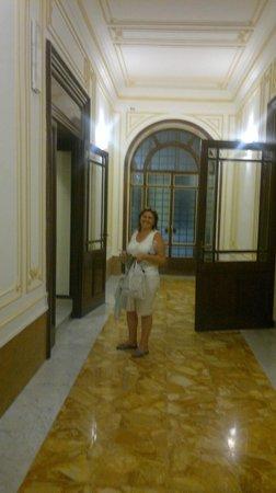 Hotel Ercoli : Entrada para subir al hotel