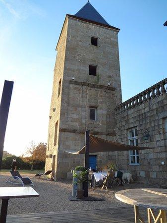 Chateau du Bois-Guy : back of the main house