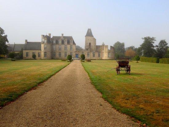 Chateau du Bois-Guy : leaving after breakfast- beautiful!